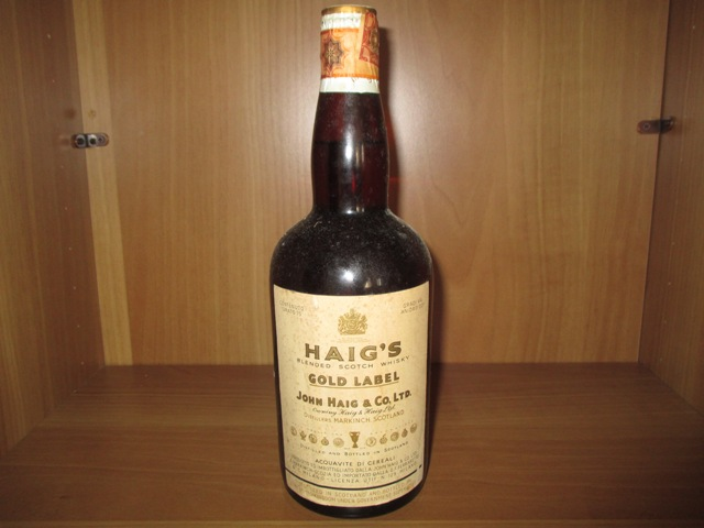 Haig's Gold Label Old bottle